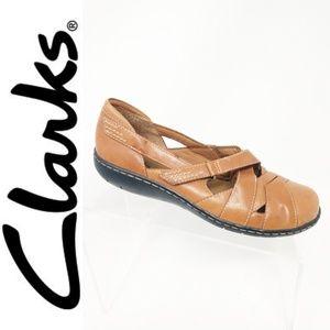 Clarks Bendables Brown Leather Slip-on Adjustable